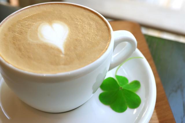 イライラした時の対処法コーヒーやお茶を飲む