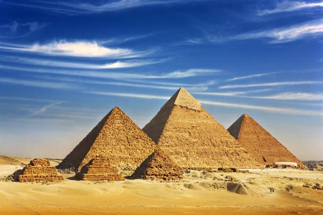 黄金律ピラミッドイメージ